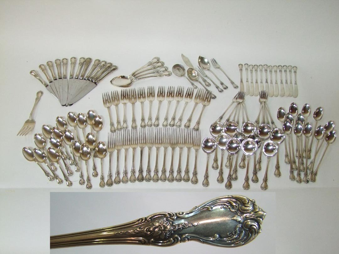 112 Pieces Towle OLD MASTER