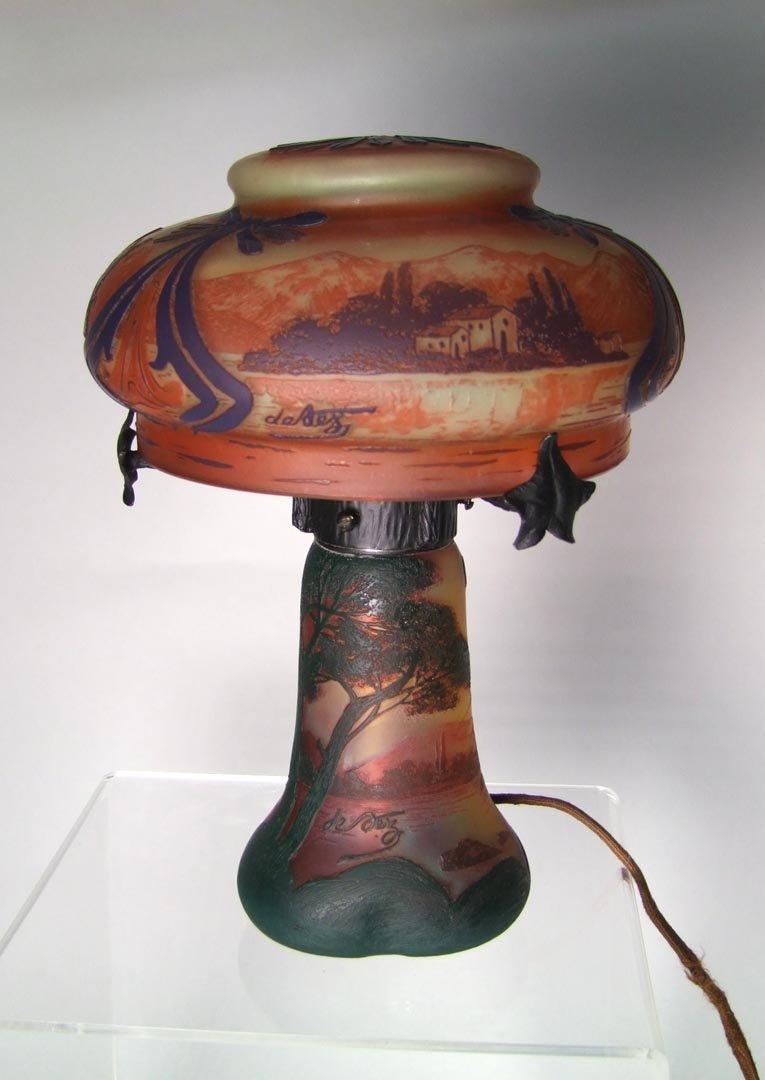 DeVez Scenic Cameo Lamp