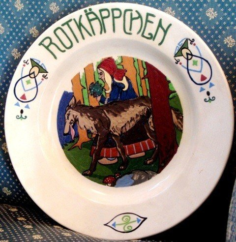 21: Painted plate with the Little Red Ridding Hood & Wo