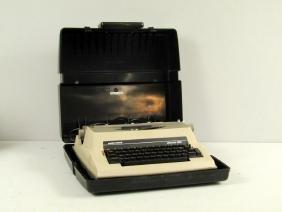 Underwood Vintage Electric Portable Word Processor