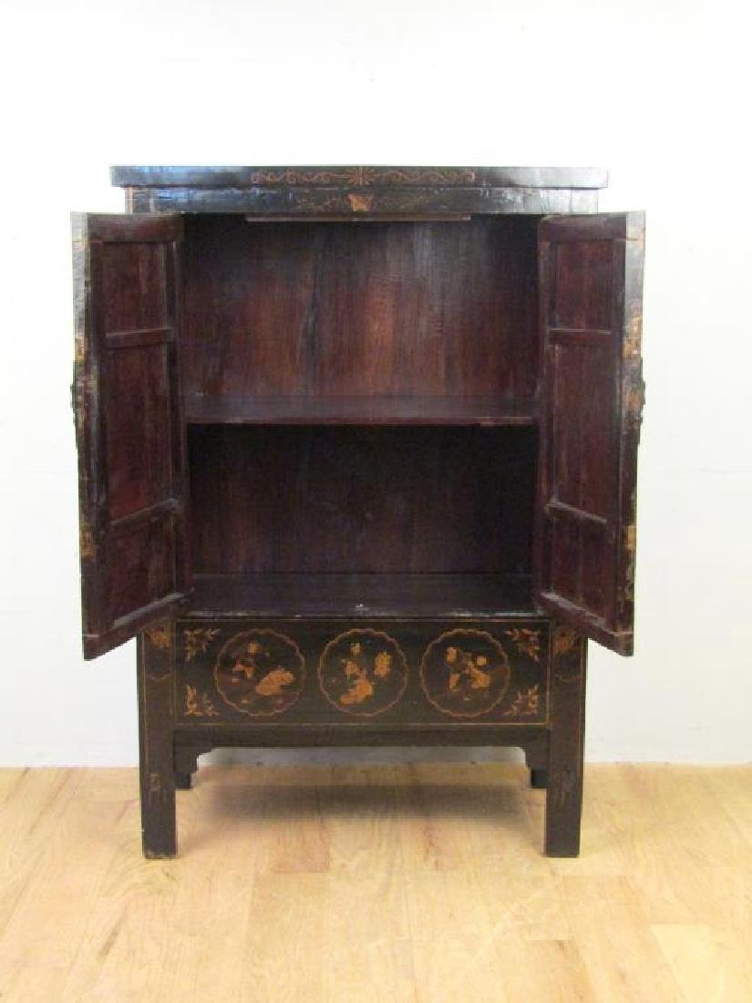 Small Chinese Lacquered Armoire - 2