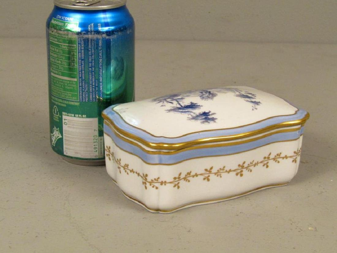 Small Richard Ginori Porcelain Box - 2