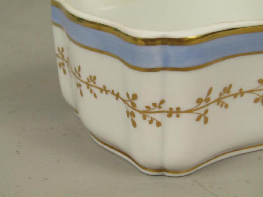 Small Richard Ginori Porcelain Box - 4