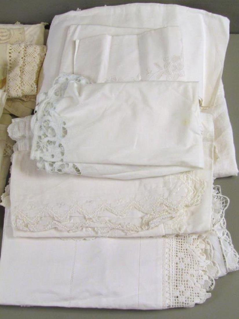 Large Lot of Assorted Linens - 8