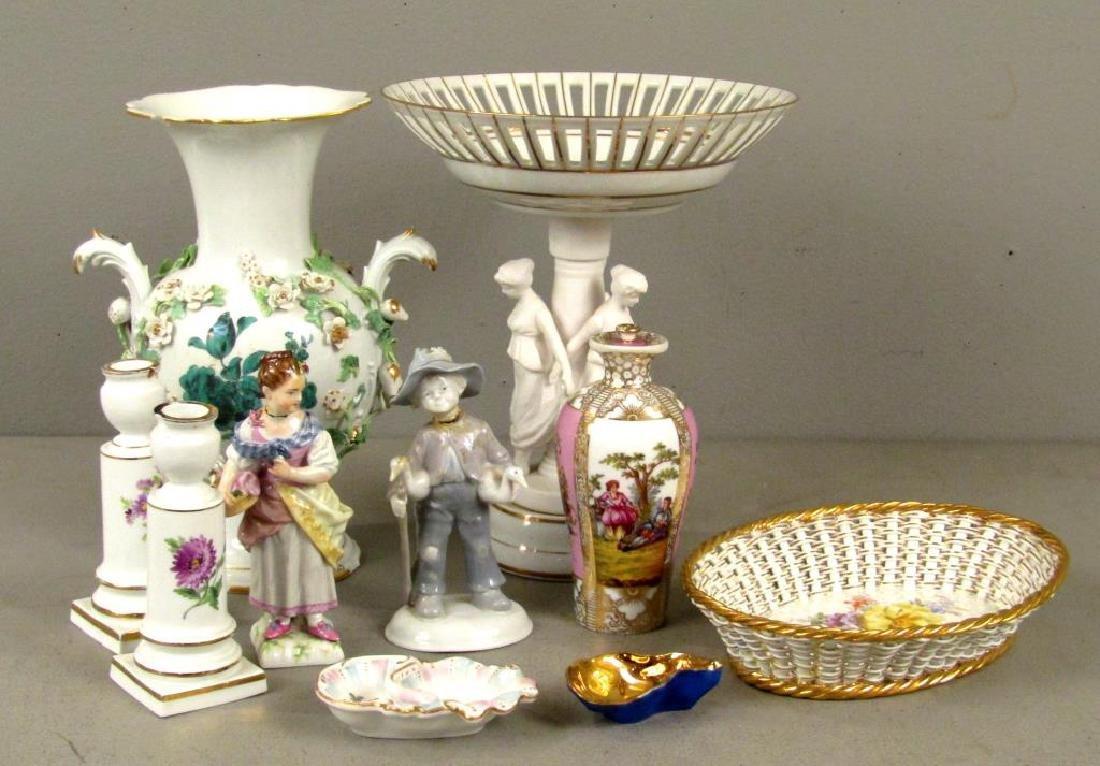 Assorted Porcelain Articles ***