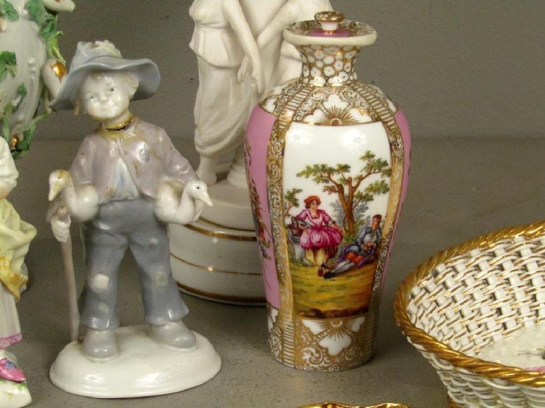 Assorted Porcelain Articles *** - 4