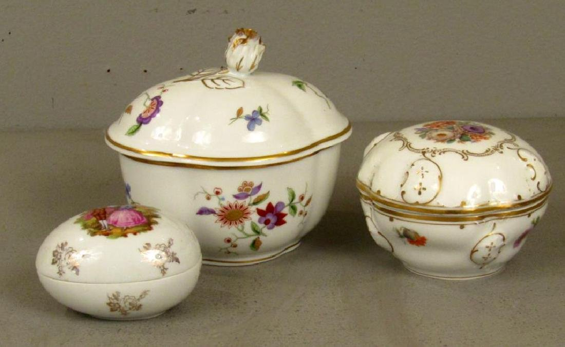 5 Assorted Porcelain Articles - 5