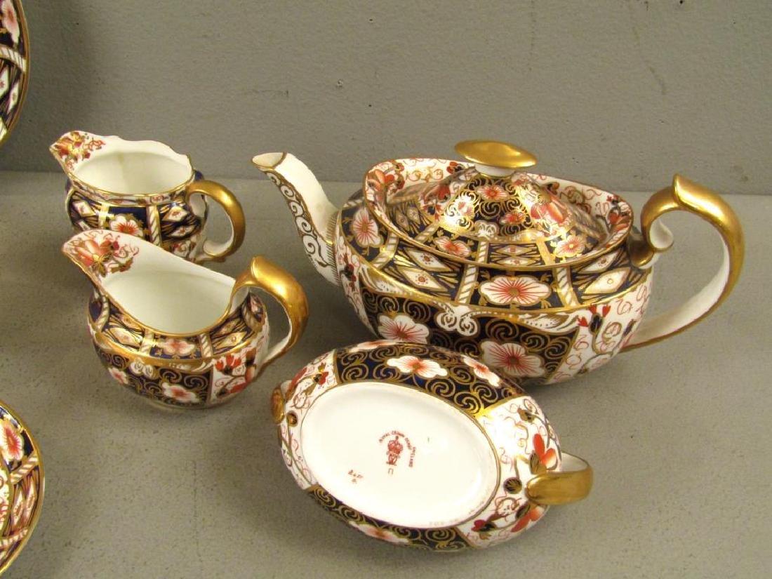 22 Royal Crown Derby Tea Pieces - 8