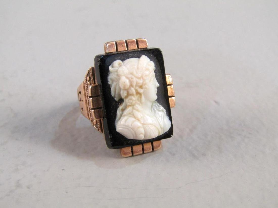 Victorian Gold and Cameo Ring