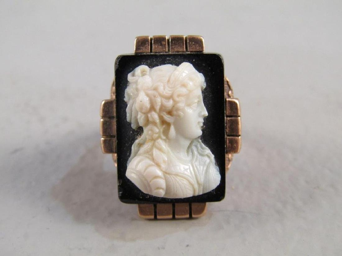 Victorian Gold and Cameo Ring - 4