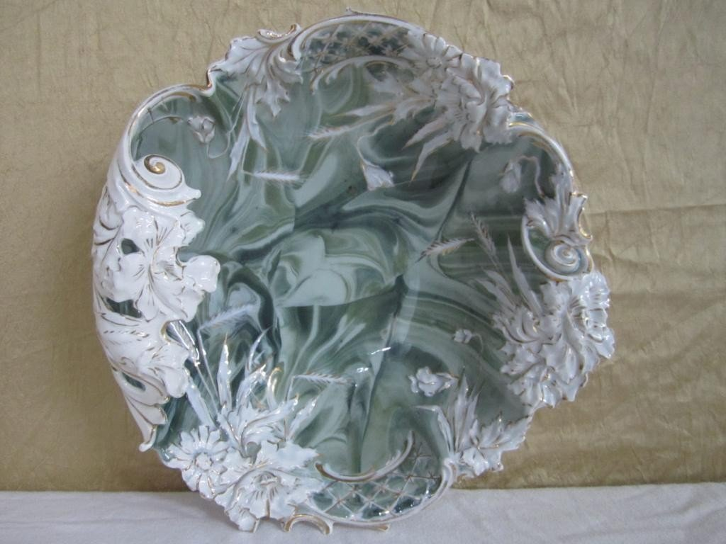 9: Prussian Porcelain Leafy Shaped Shallow Bowl