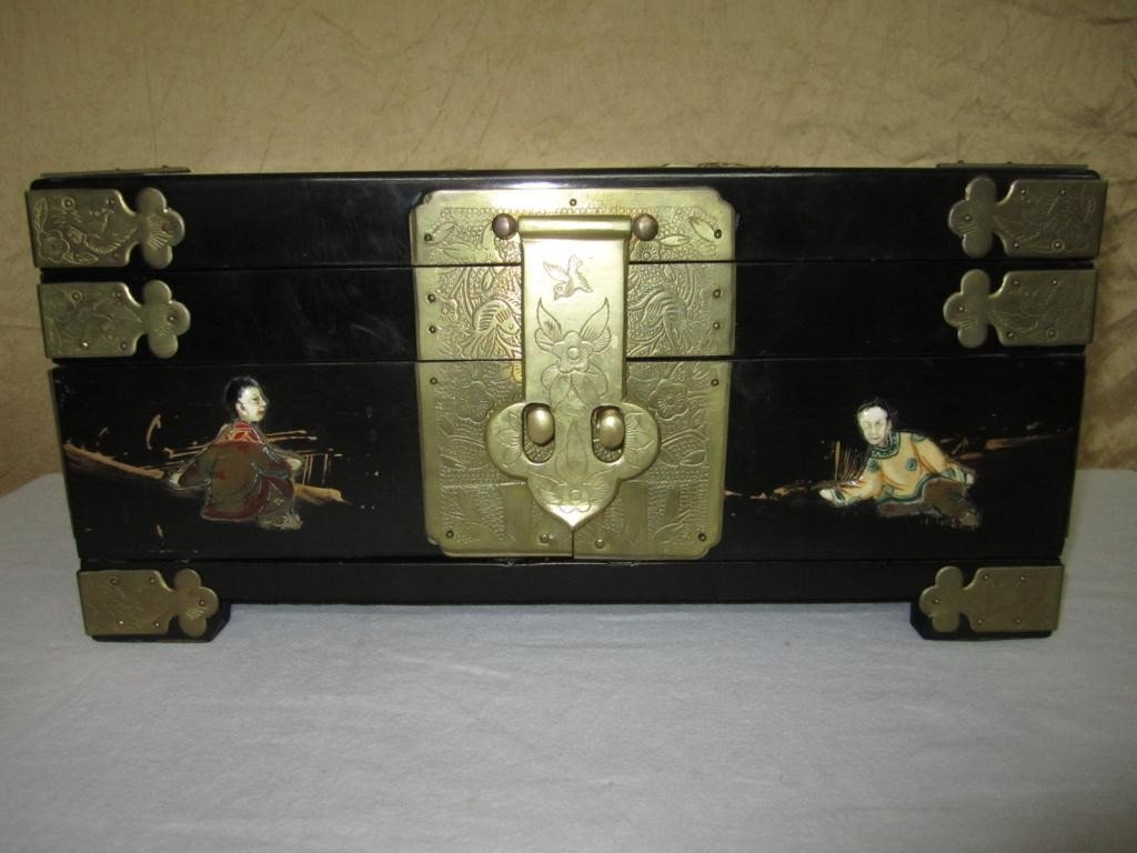 17: Chinese Table Top Jewelry Box