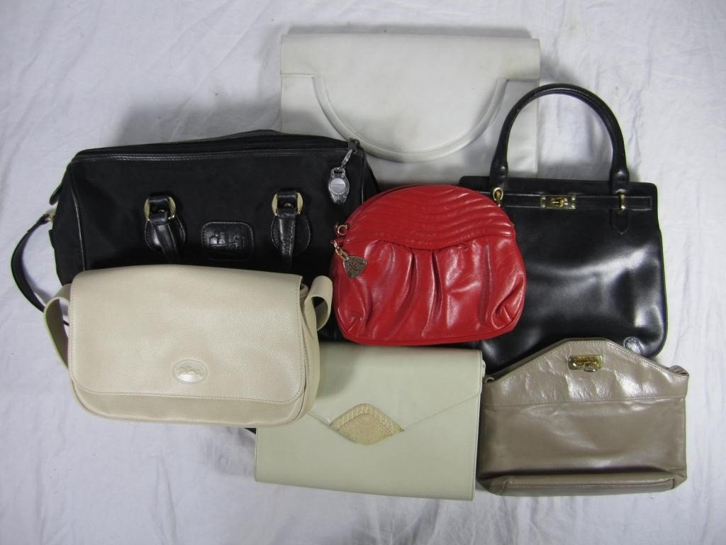 21: 7 Assorted Leather and Trimmed Ladies Bags