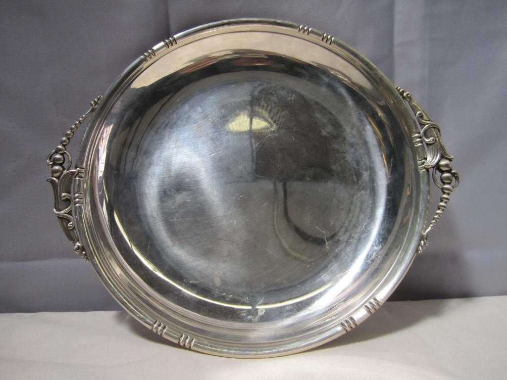 17: Art Deco Round Sterling Tray (11 oz.) ***