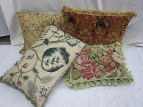 4 Assorted Decorative Pillows