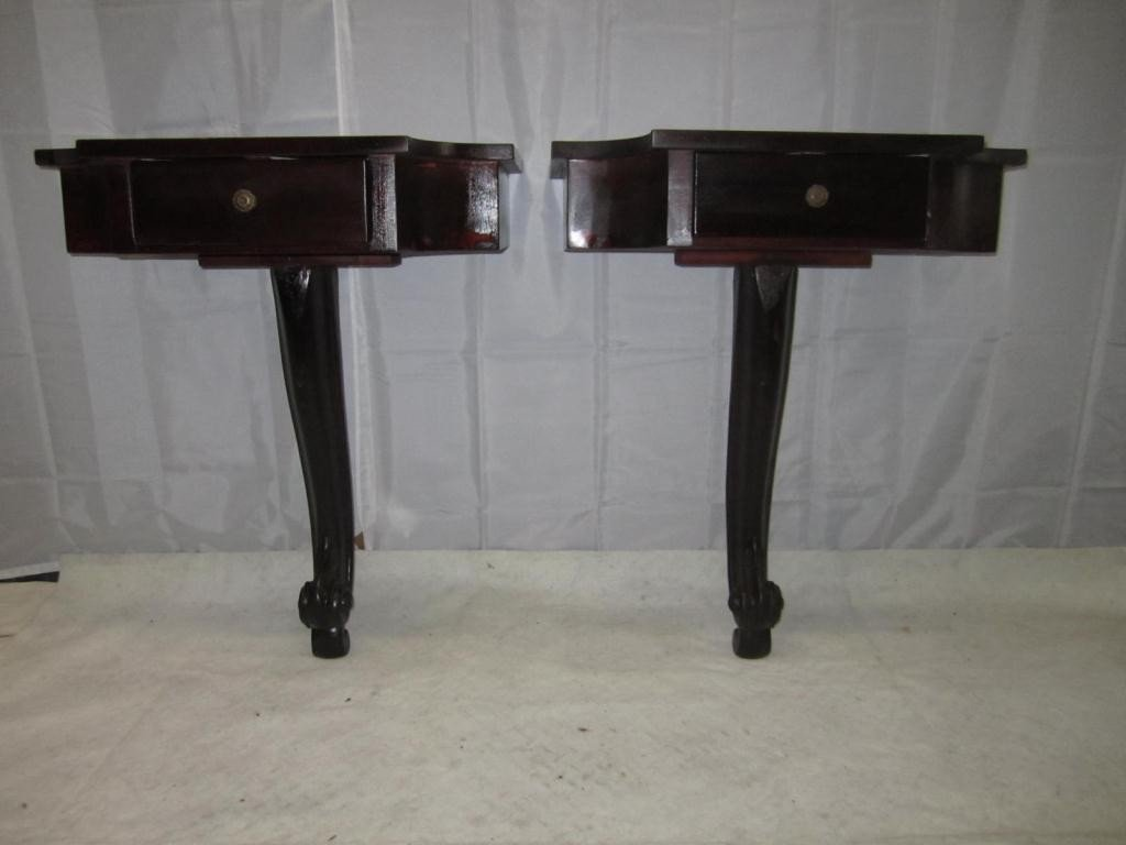 11: Pair English Style Bracket Consoles