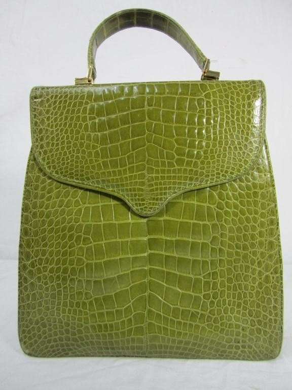 21: Large Lana Marks Green Leather Day Bag