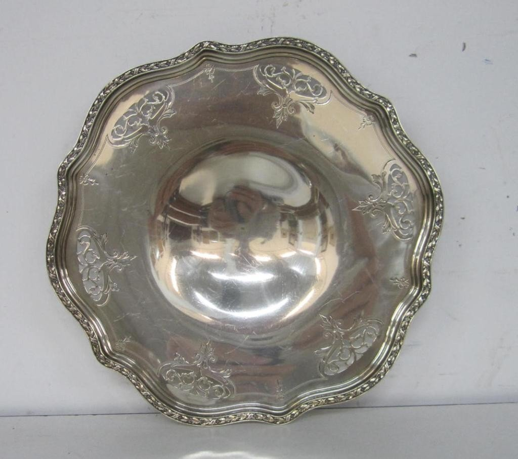 14: Wallace Sterling Silver Shallow Bowl  (10 oz.)