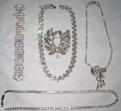 24: 5 Piece Vintage Costume Jewelry Ensemble