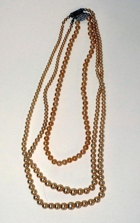 11: 2 Cultured Pearl Necklaces