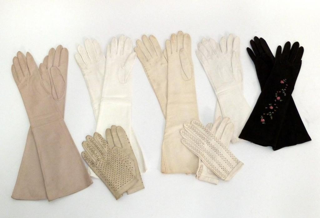 17: 8 Pair Ladies Gloves - Some Opera Length