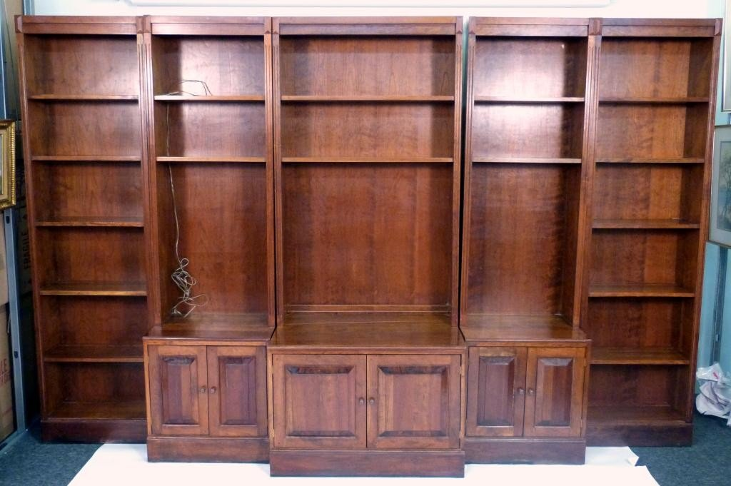 23: Curtis Company 5 Section Wood Bookcase