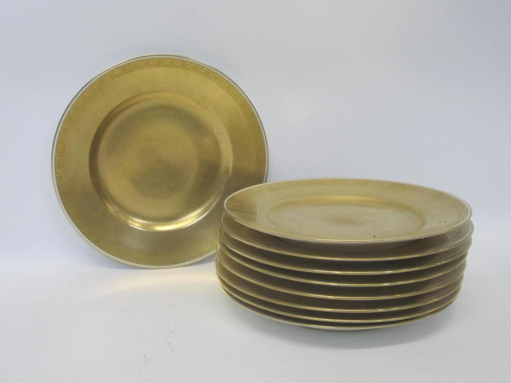 18: Set of 8 Limoges All Gilt Porcelain Place Plates
