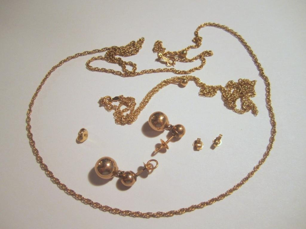 20: Assorted Gold Jewelry - 7.7 dwt.