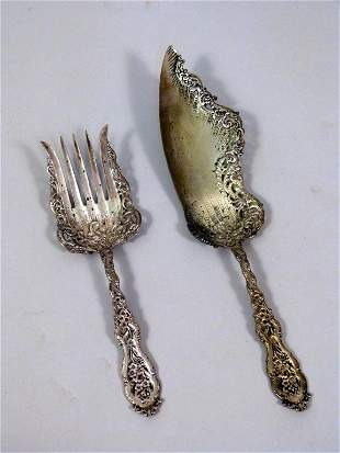 Two Rococo Sterling Serving Pieces (10.5 troy oz)