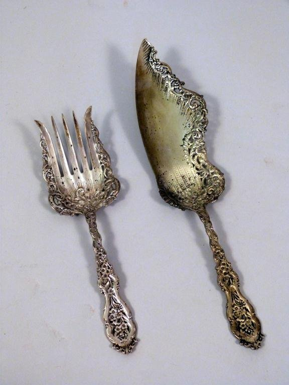 4: Two Rococo Sterling Serving Pieces (10.5 troy oz)