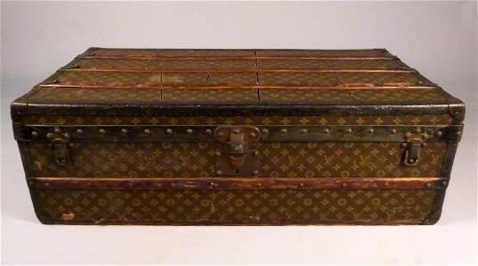 339: Vintage Louis Vuitton Trunk