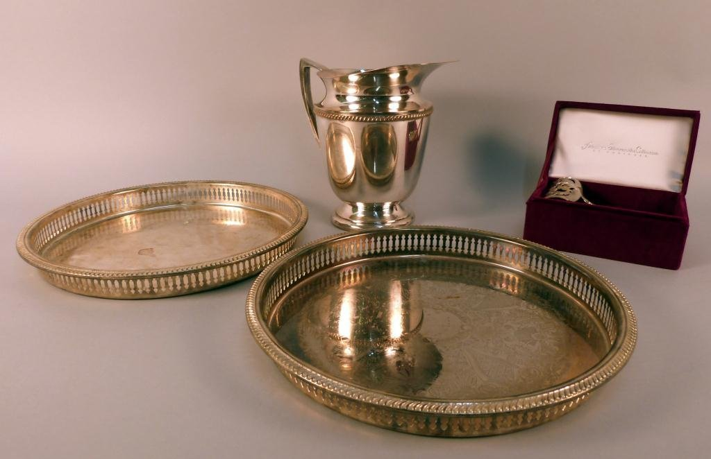 7: 4 Silver Plated Serving Articles