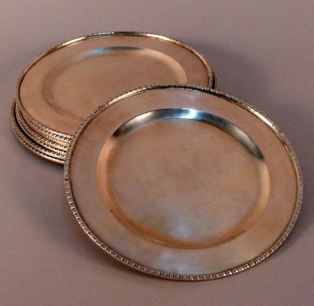 15: 8 Sterling Silver Bread & Butter Plates