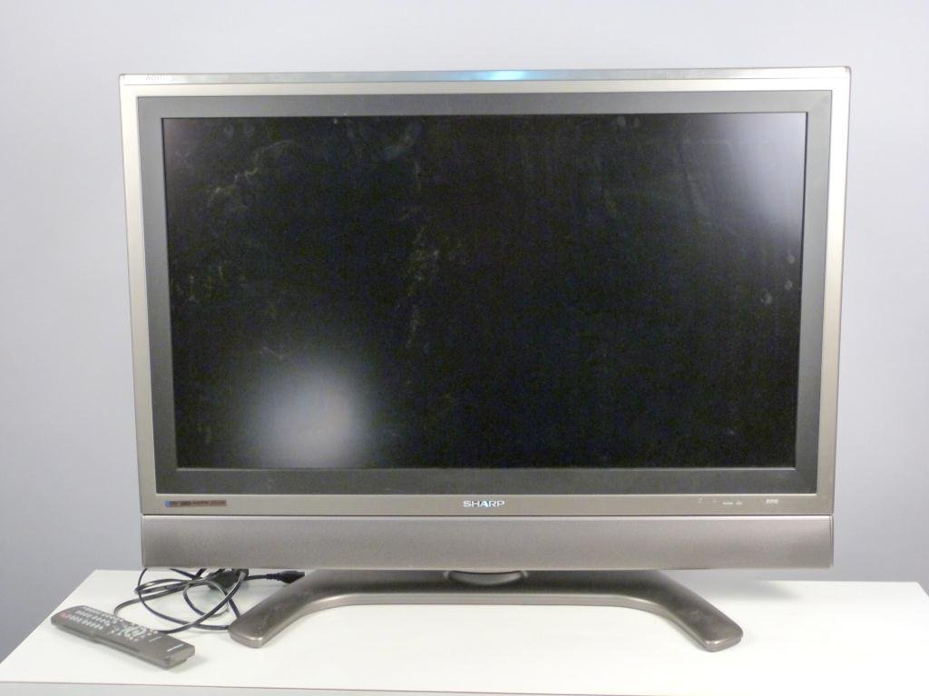 424 Sharp Aquos 37 Flat Screen Tv