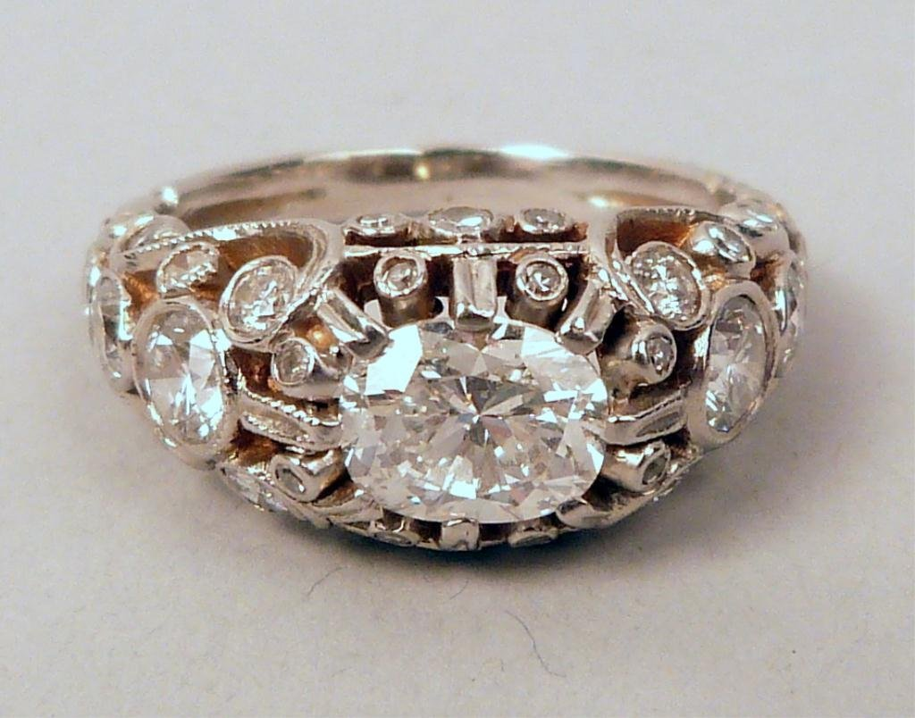 8: Approx 1 ct. Oval Diamond Ring