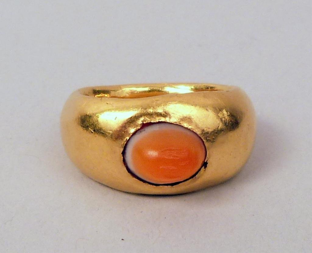 12: Antique Rustic Form Gold Ring with Stone