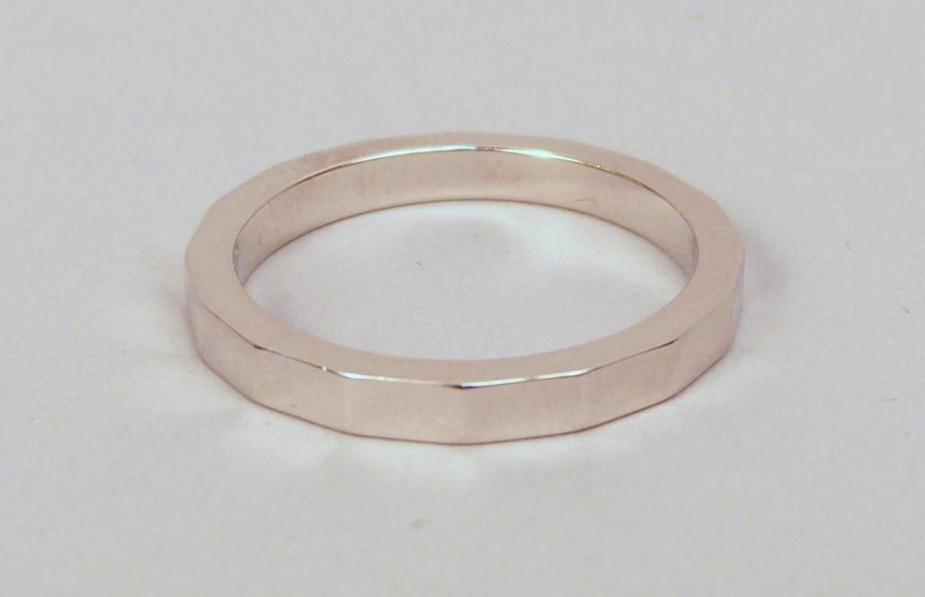 15: Platinum Beveled Wedding Band