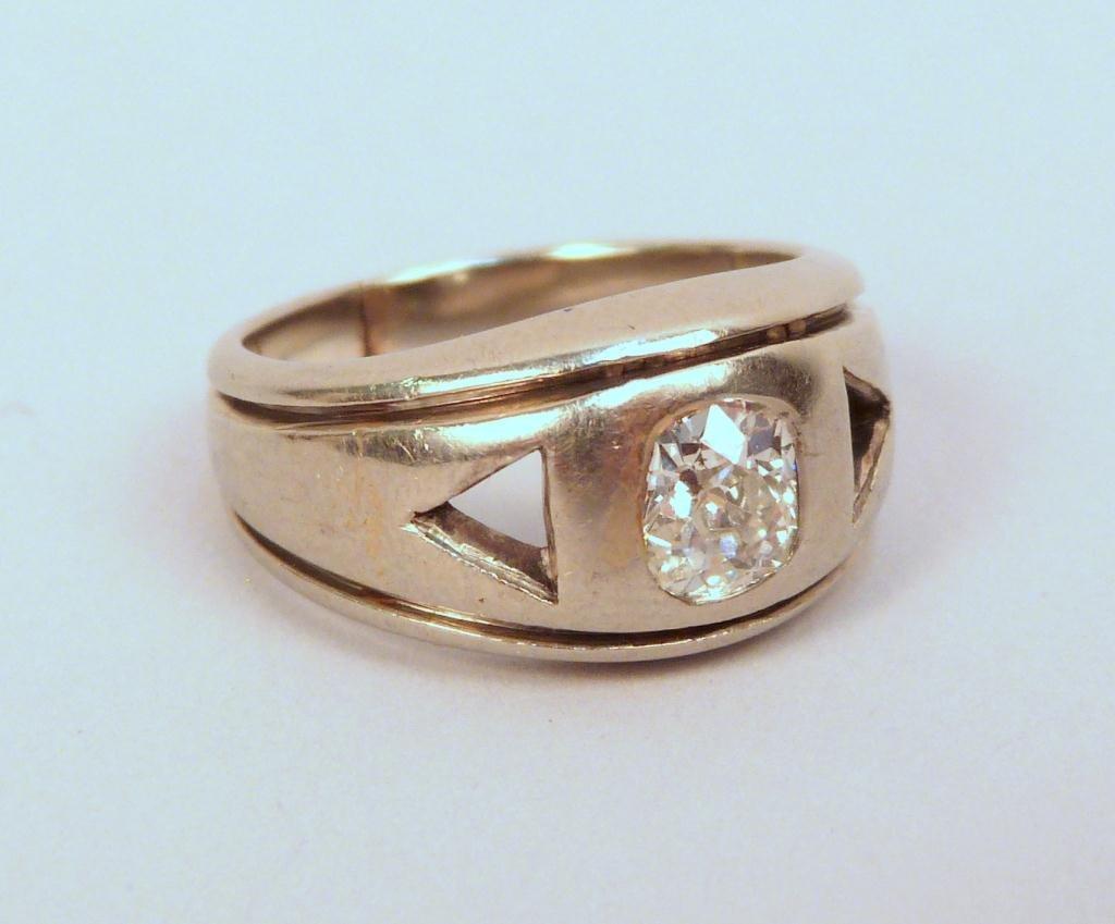 17: Mans 14K White Gold and Diamond Ring