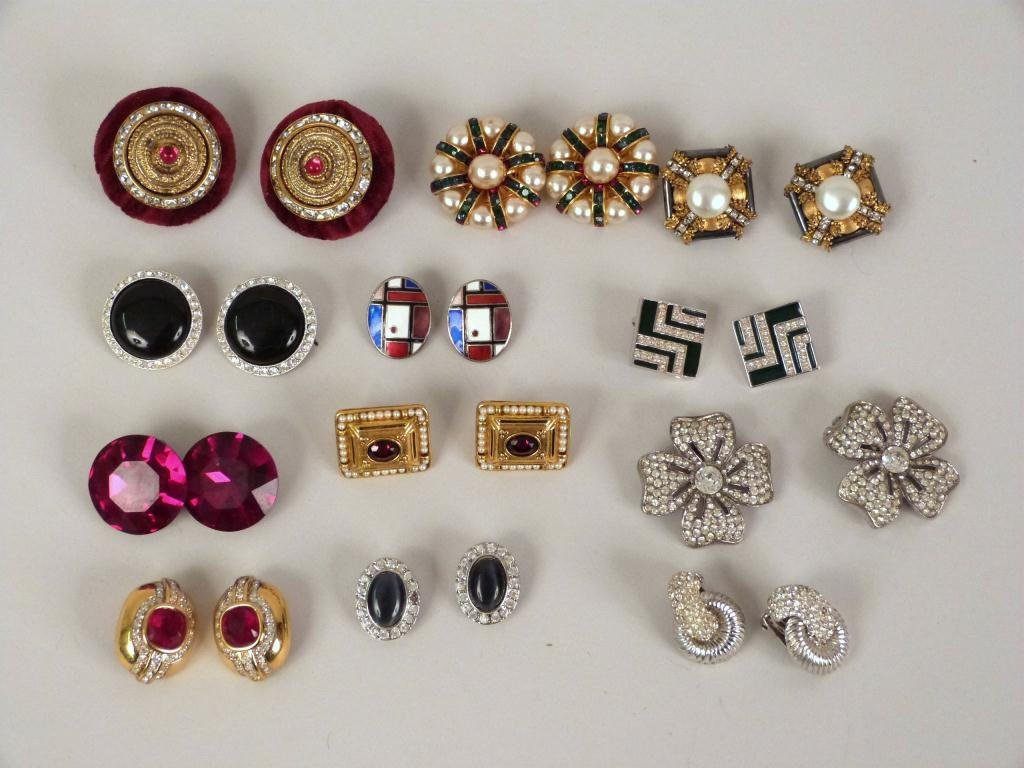 12 Pair Costume Jewelry Earrings