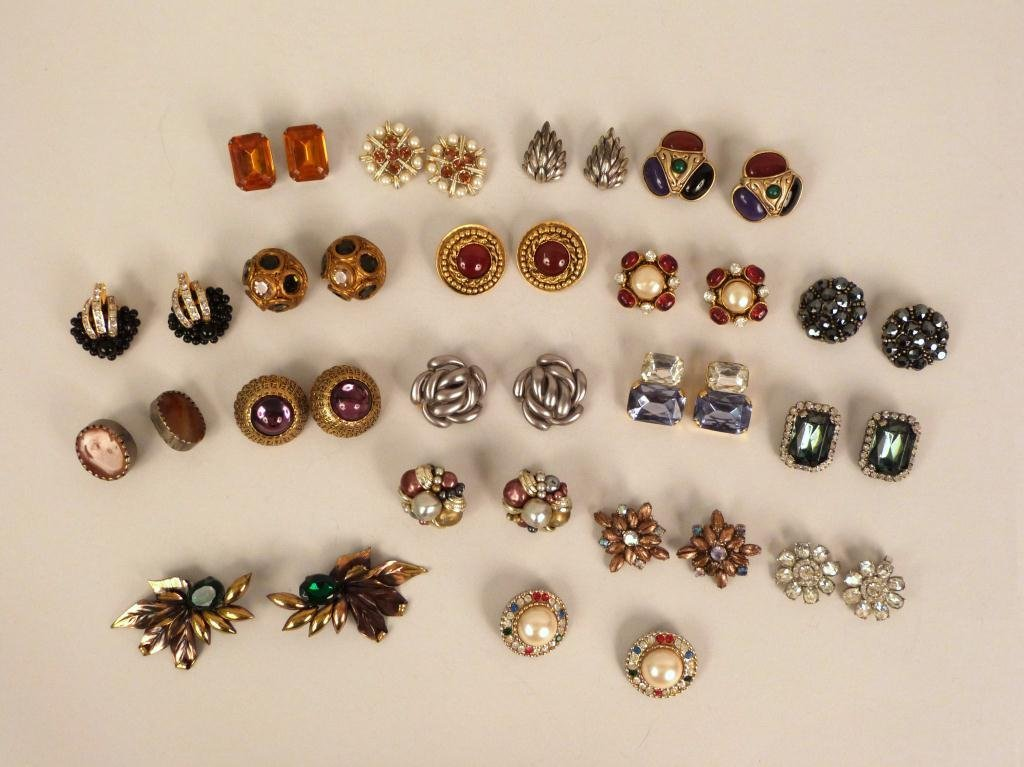 19 Pair Costume Jewelry Earrings