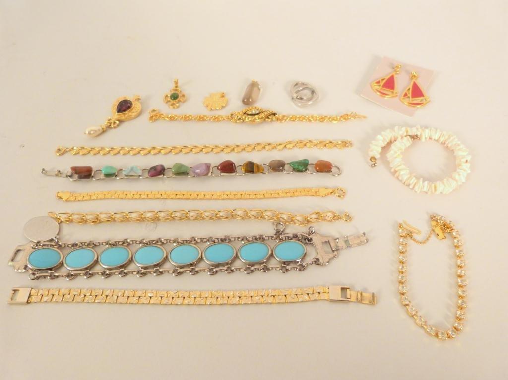 Costume jewelry - Bracelets, Pendants, Earrings