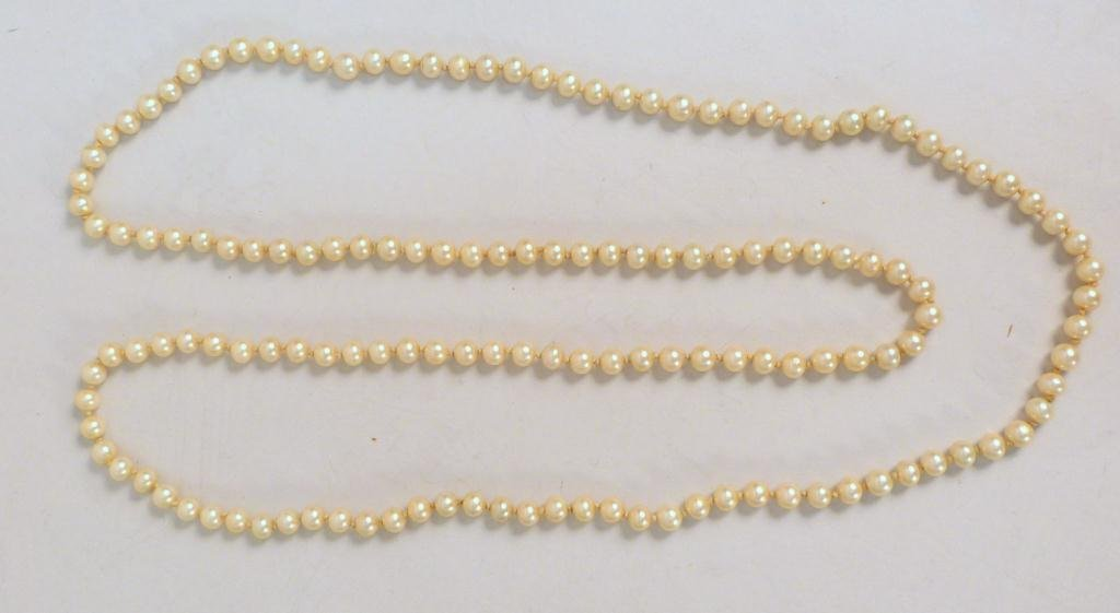 Long Ladies Pearl Necklace