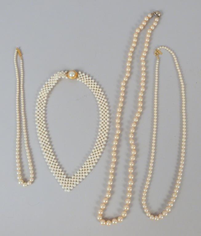 4 Pearl Necklaces