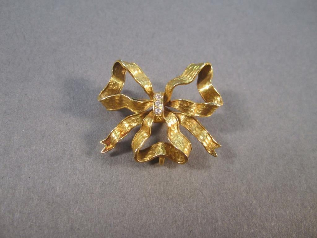 14K Gold Ribbon Pin