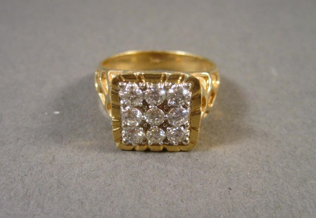 14K Gold & Diamond Man's Ring ****