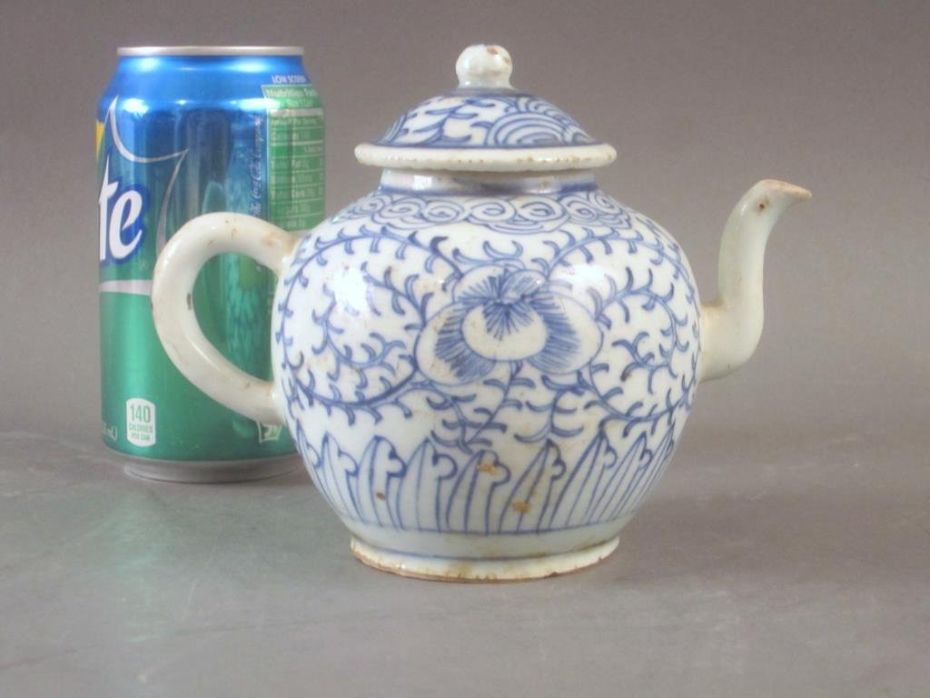 Old Chinese Blue and White Tea Pot - 3