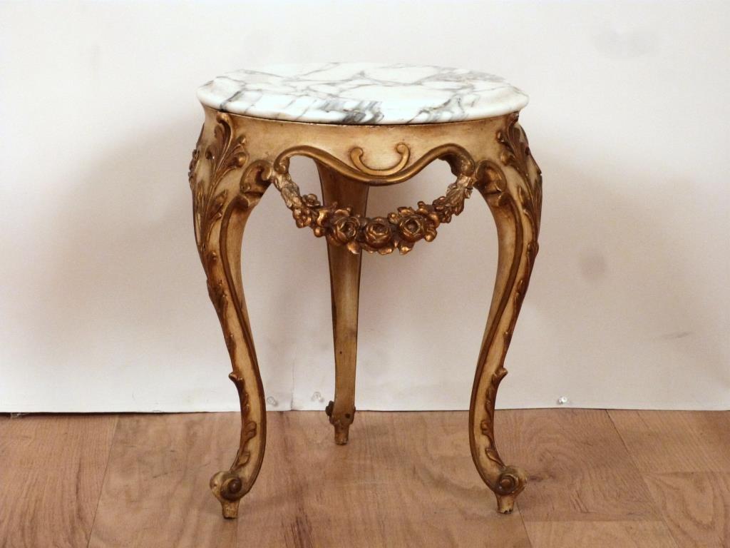 English Style Tripod Urn Stand