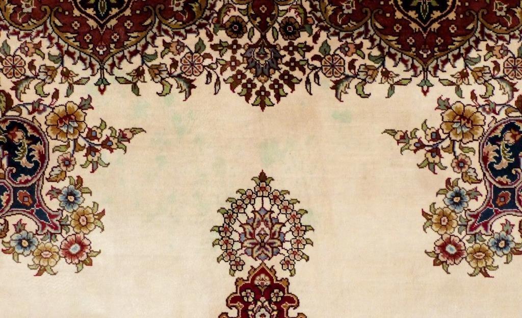 "Indian Silk Rug 4' 1 X 6' 1"""" - 6"