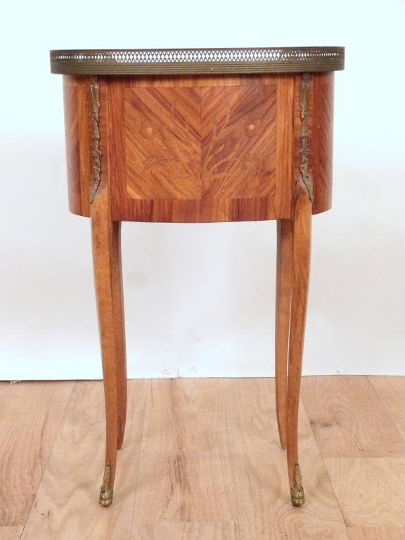 French Oval Petite Commode - 4