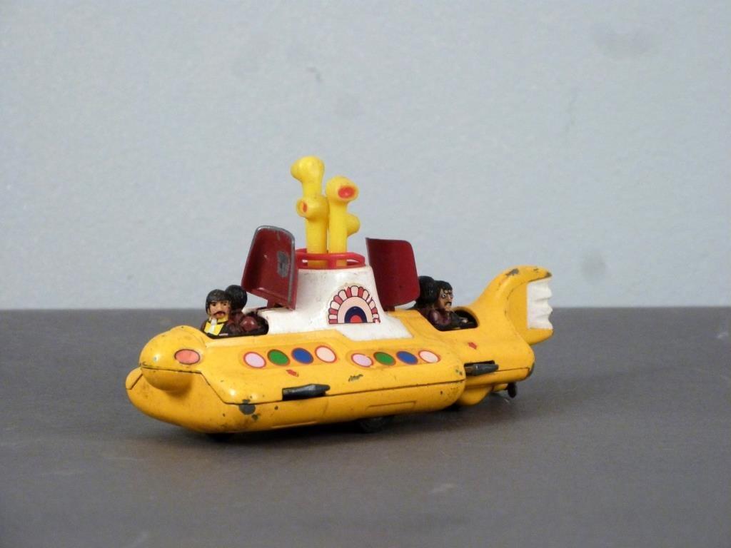 Corgi Beatles Yellow Submarine Toy - 2